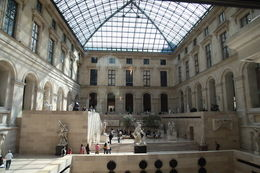 Free Photography Inside the Louvre