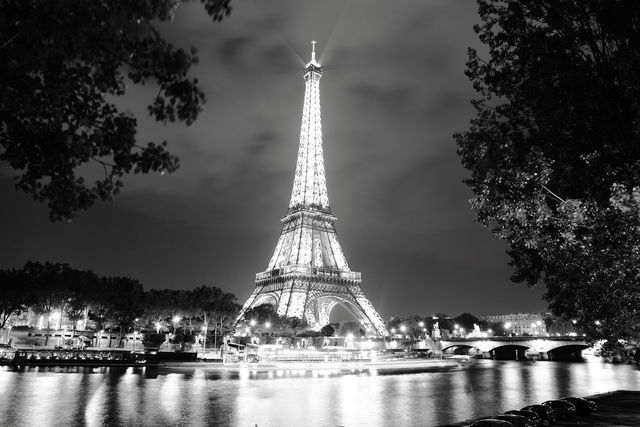 Free Eiffel Tower Photo Paris Architecture Eiffel Tower Black and White Photography